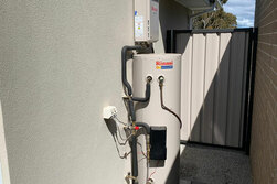 24 hour melbourne plumbers hot water service
